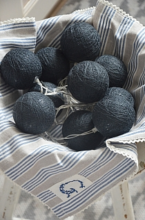 Cottonballs Black