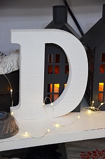 Litera D white