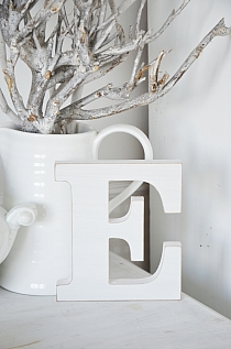 Litera E white