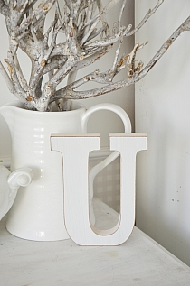 Litera U white